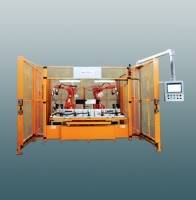 Dual robots ultrasonic welding machine